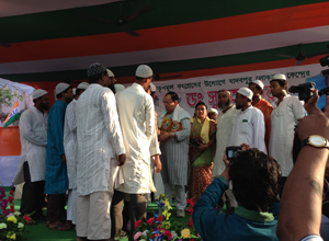 Sugata Bose and Firdousi Begum meet a Muslim delegation at Sonarpur Uttar.