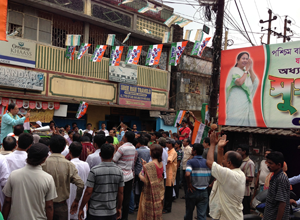 At a street corner meeting in Tollygunge.